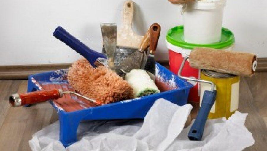 petits travaux de bricolage pour r nover la maison les bons outils avoir. Black Bedroom Furniture Sets. Home Design Ideas