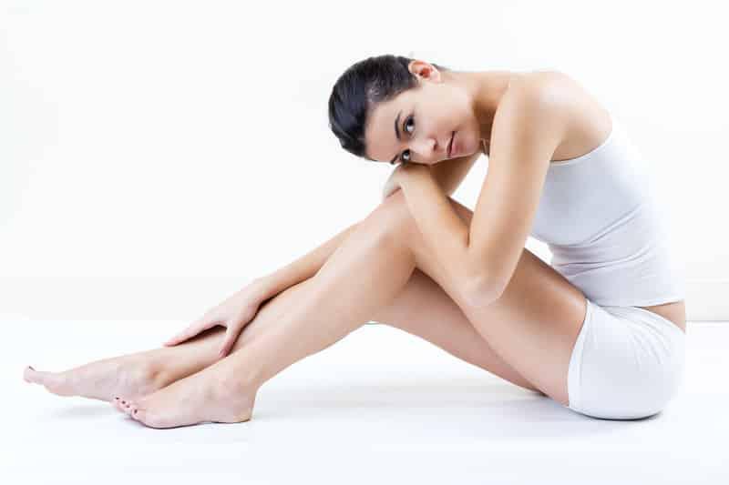 Femme jambes epilation